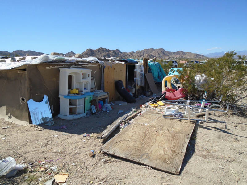 3 Children Found Living In A Box In Joshua Tree, Parents Arrested ...