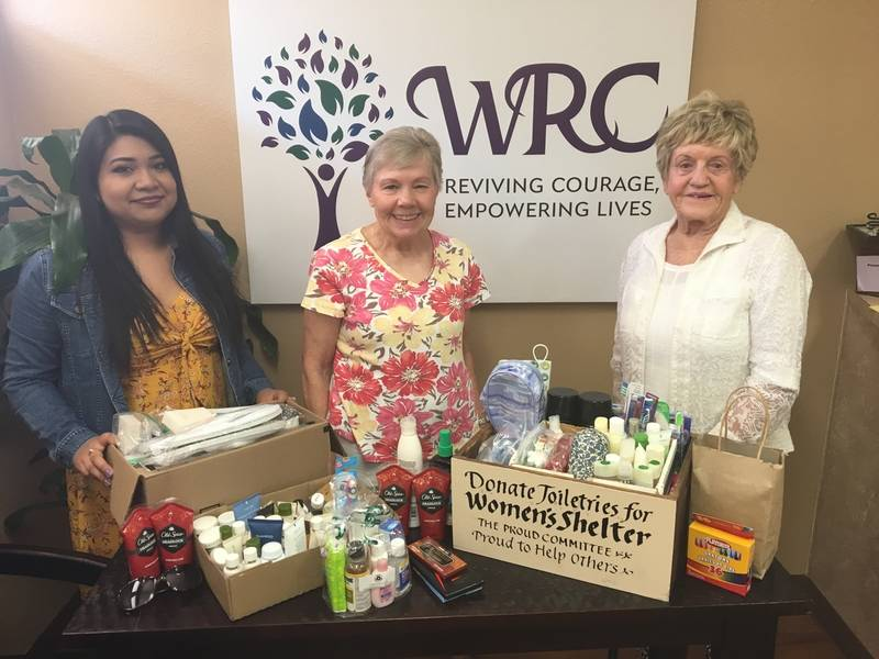 La Costa Glen Residents Donate To Women S Resource Center Carlsbad