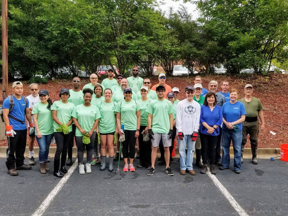 Cleanup volunteers
