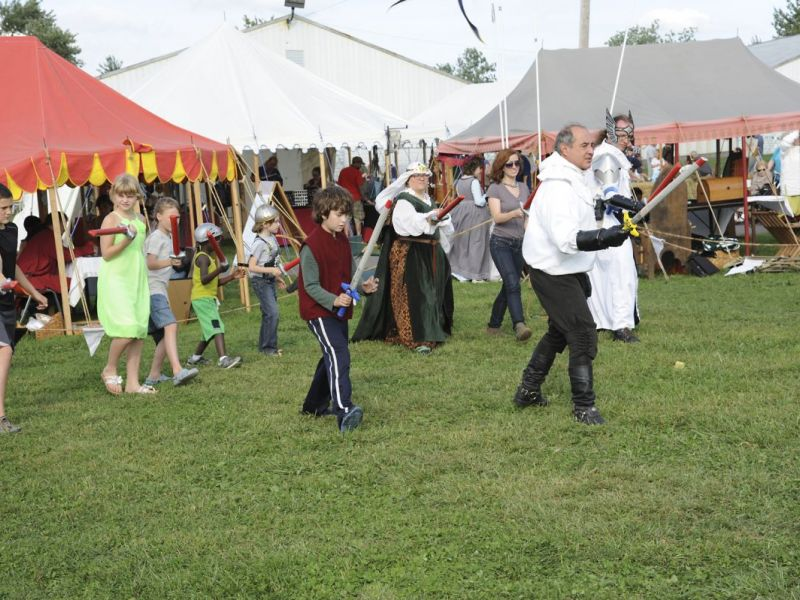 Local Fencing Group Brings Historical Multicultural