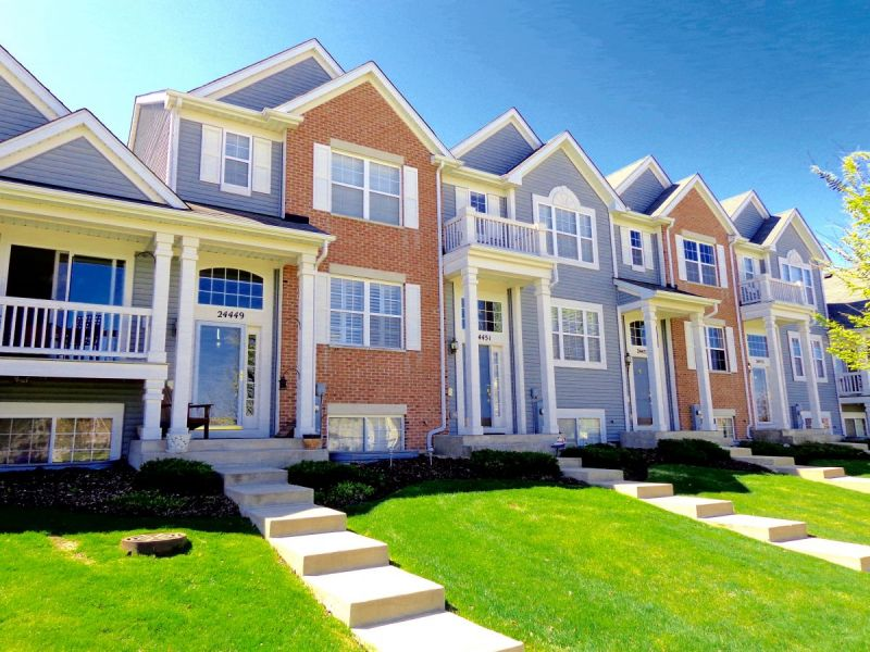 townhomes amp condos for sale in orland park illinois