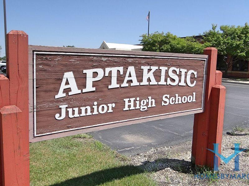aptakisic junior high school  buffalo grove  illinois