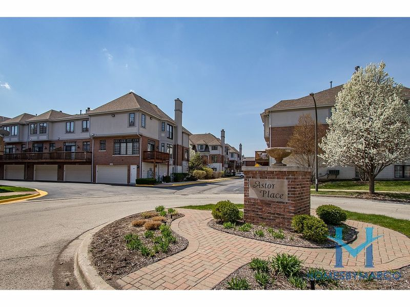 Aurora Homes For Sale >> Townhomes & Condos For Sale in Naperville, Illinois - August 2017 | Naperville, IL Patch