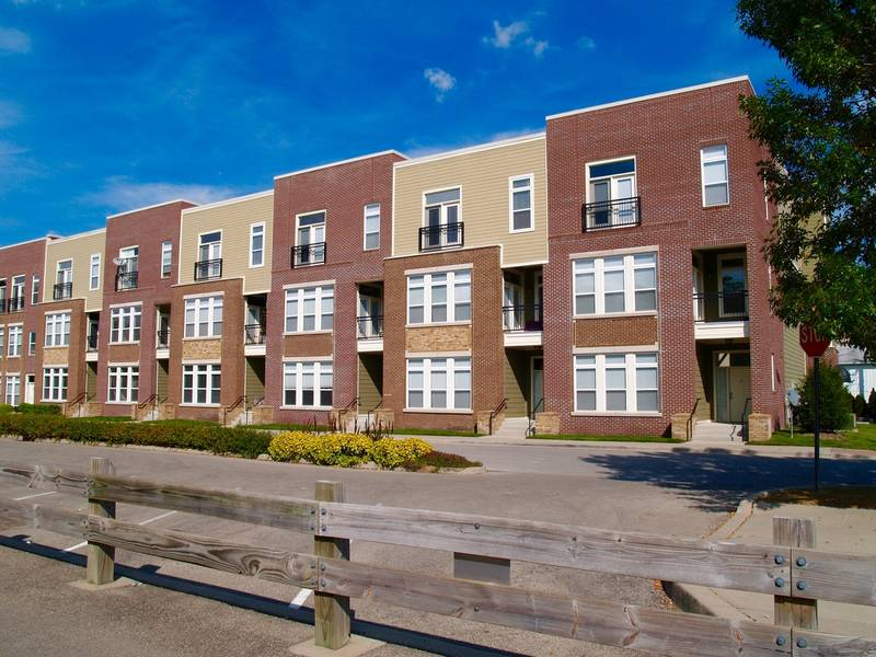 Townhomes Amp Condos For Sale In Yorkville Illinois Dec