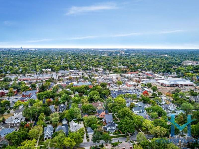 Single Family Homes For Sale in Hinsdale, Illinois - Dec 2017