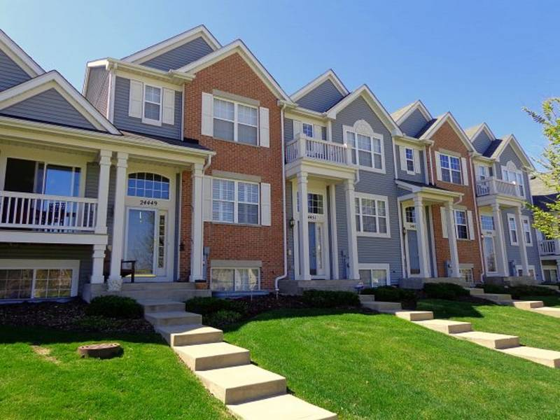 Townhomes u0026 Condos For Sale in Plainfield