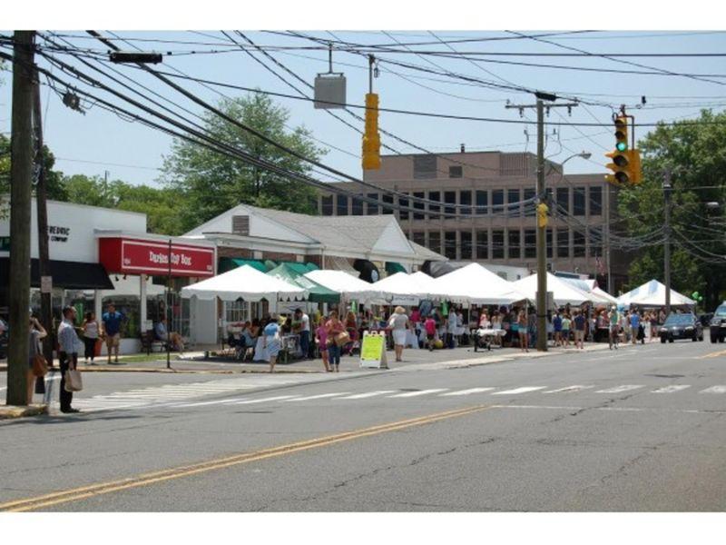 Darien sidewalk sales family fun days start this week for Mercedes benz of fairfield ct staff