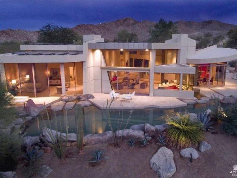 Celebrity homes craftsman splendor street level business for Craftsman homes for sale in california