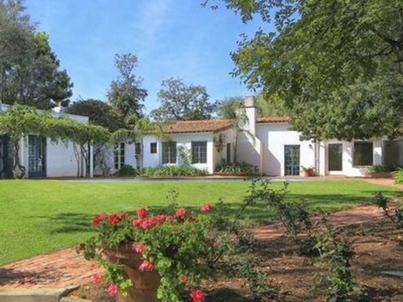 Home where marilyn monroe died for sale 200m home beach for Homes under 100k in california
