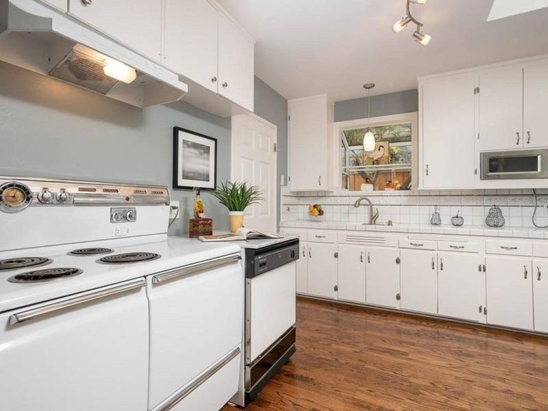 Adorable San Mateo Home Offers Storybook Charm, Bright Kitchen | San ...