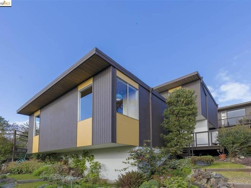 Mid-Century Modern El Cerrito Home Largely Untouched By Updates