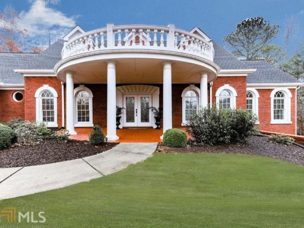Homes for sale in popular canton sixes neighborhoods for Custom home builders canton ga