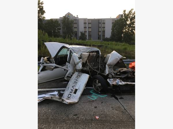Tractor Trailer Crashes Into Pickup Truck On Ga  400 | Sandy Springs