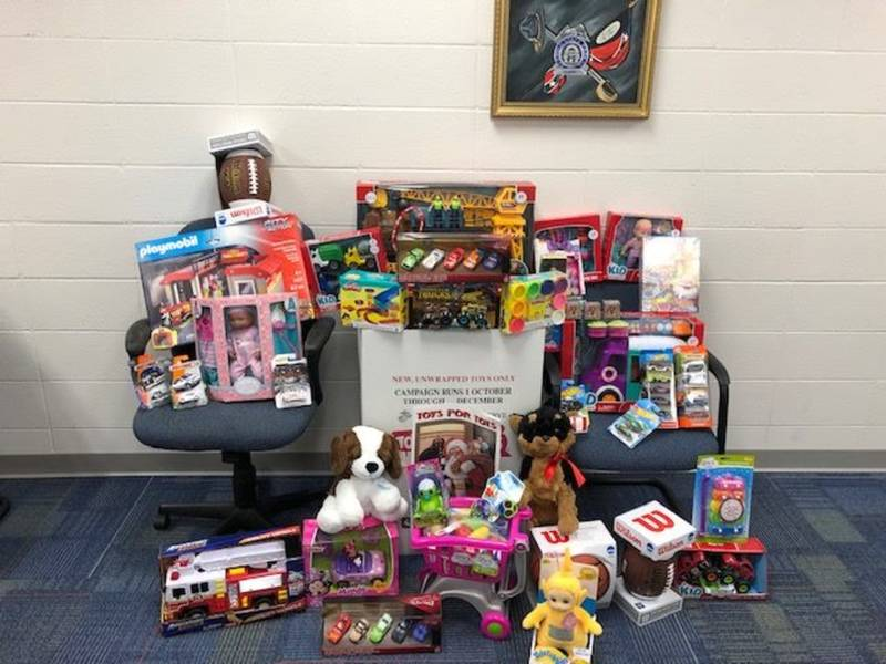 Georgia State Patrol Collecting Toys For Tots Donations