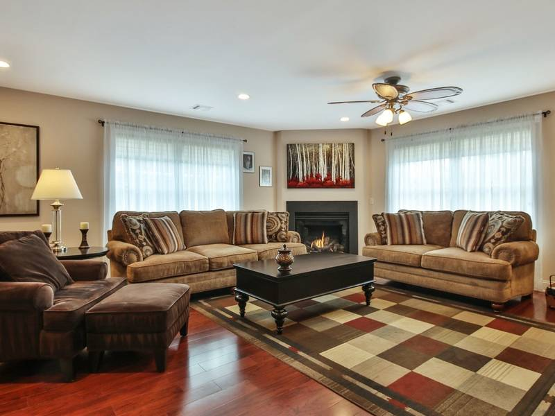 Stunning Townhome For Sale In Allendale, New Jersey