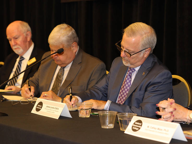 Transfer Agreement Signed Between Ou Occ And Macomb College