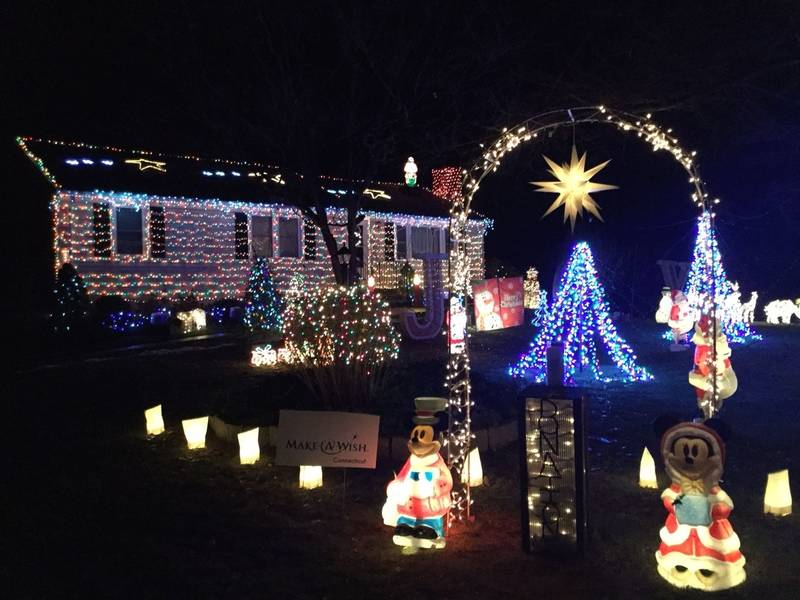 Guilford Manu0027s Amazing Christmas Lights Raise Money For Charity