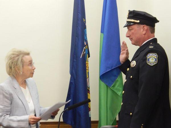 Garden city police lieutenant sergeant take their oaths - Garden city police department ny ...