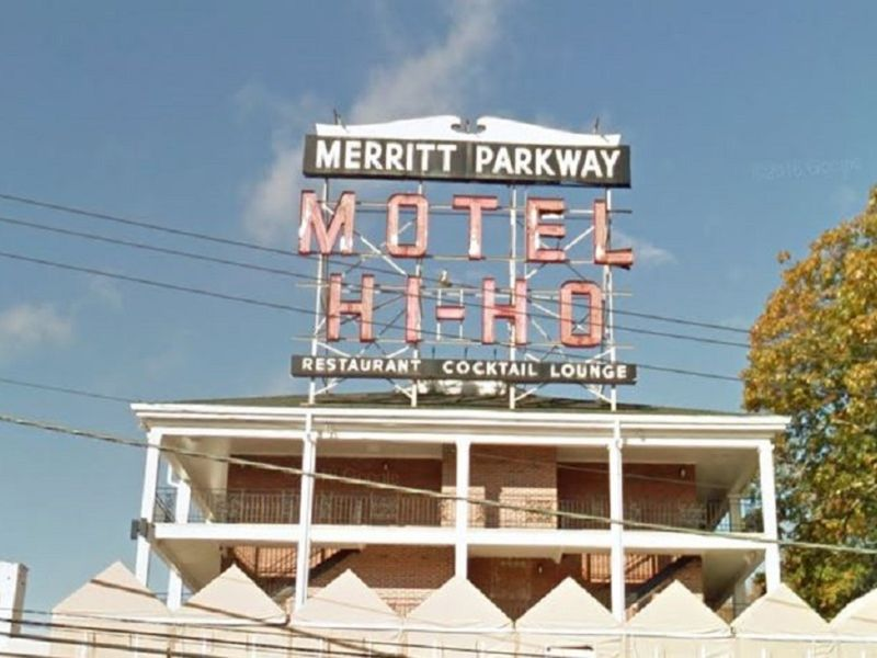 Historic Hi Ho Sign Comes Down In Fairfield