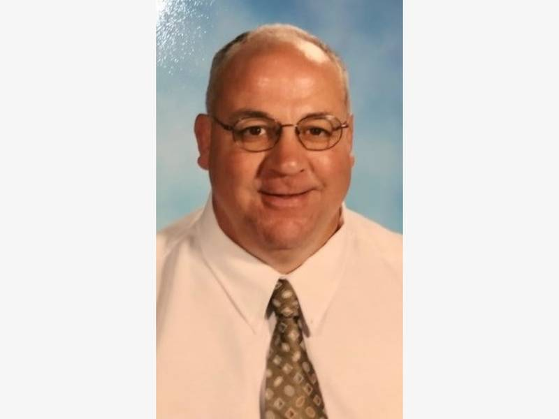 Obituary: Michael S. Guzzio, 64; Notre Dame-West Haven Graduate
