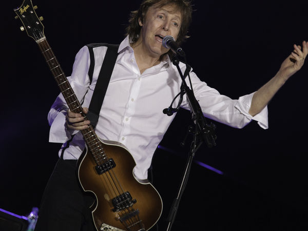 Greetings From Asbury Park: Paul McCartney, Wife Dine In The City