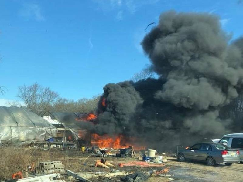 Fire Destroys Rv Greenhouse In Howell Police Howell