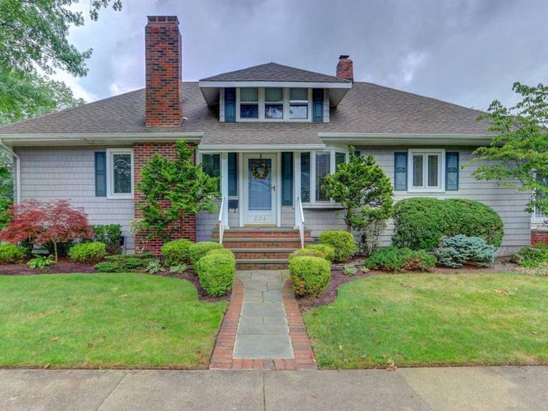 5 Long Island Starter Homes On The Market | Mineola, NY Patch