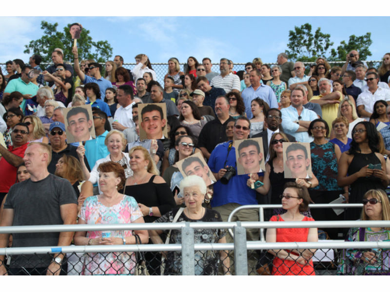 Graduation 2017 German International School Chicago: Commack High School Graduation 2017 [Photos]