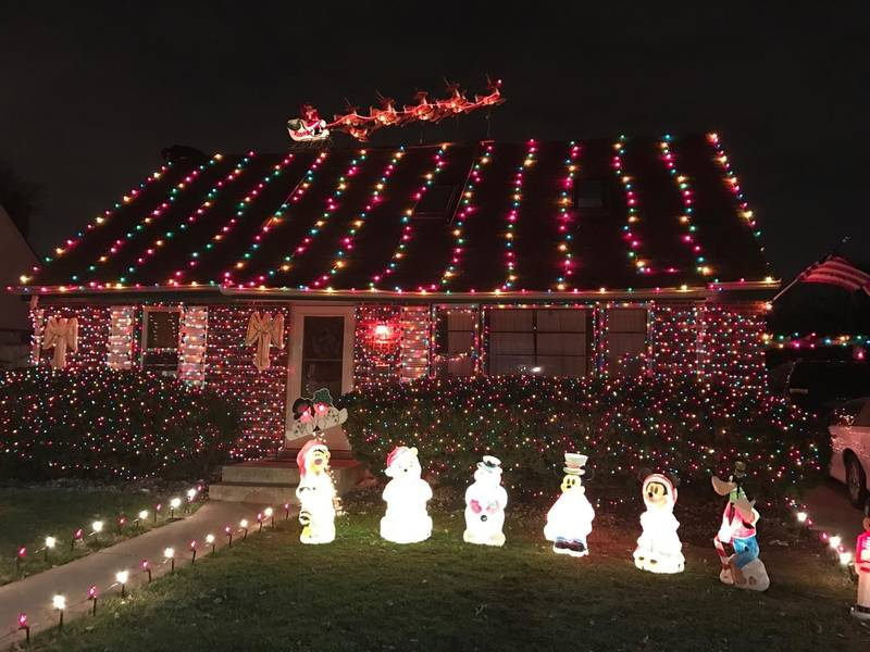 Best christmas displays on the southland sought beverly il patch best christmas displays on the southland sought solutioingenieria Choice Image