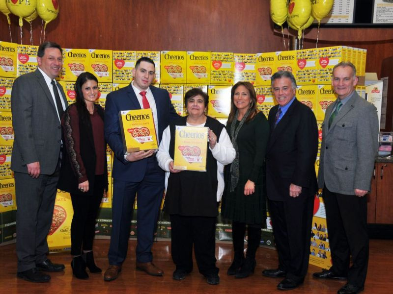 Two Associates From ShopRite Of Hoboken Featured On Special Edition  Cheerios Box  Wakefern Portal