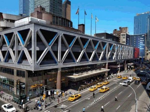 Explosive Device Found at Port Authority Bus Terminal In New York