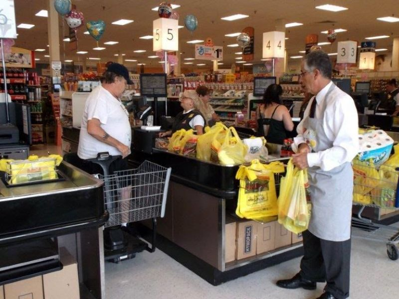 Mayor Maturo Spends Morning Bagging Groceries To Celebrate Fight Hunger Day