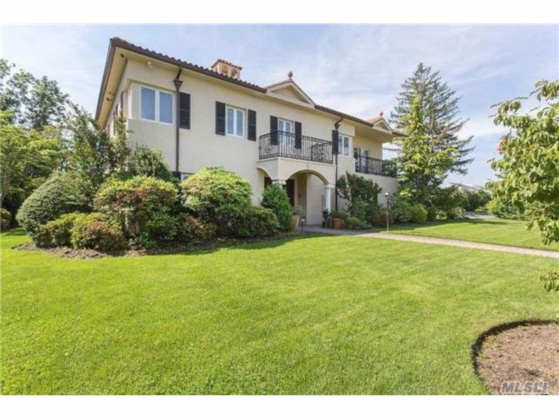 Wow House Mediterranean Stucco Mansion In Bayside Bayside NY