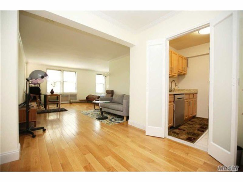 Renting In Forest Hills Check Out These Apartments For Under 2k