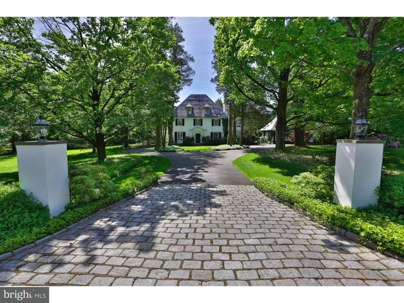 Look inside 39 twin chimneys 39 1 2m huntingdon valley home for Twin chimneys