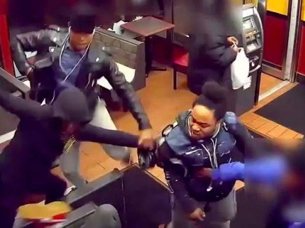 Man arrested in group beating of man in NYC restaurant