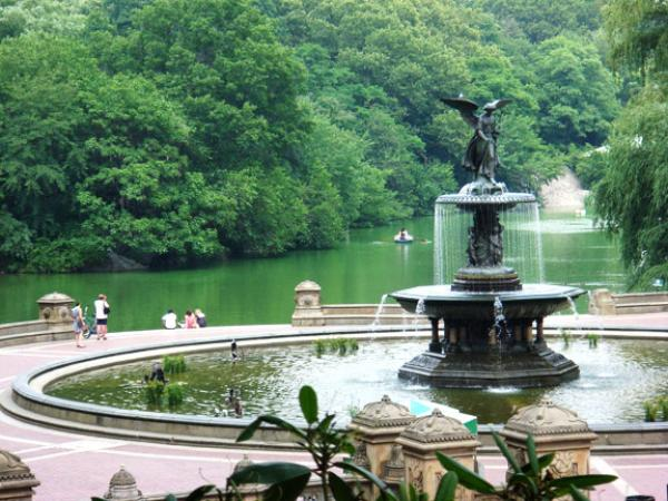 where to find bathrooms in central park