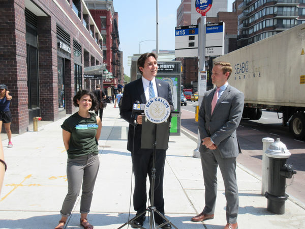 Countdown Clocks Installed At 15 Upper East Side Bus Stops