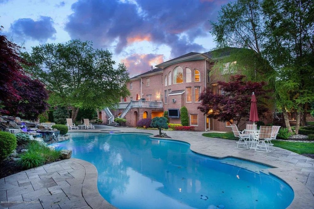 Monmouth County 39 S Best Pools To Lounge In On Memorial Day Wkd Holmdel Nj Patch