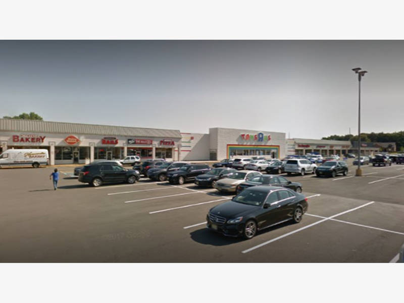 Former Hazlet Toys R Us Will Be Sold At Auction Holmdel Nj Patch