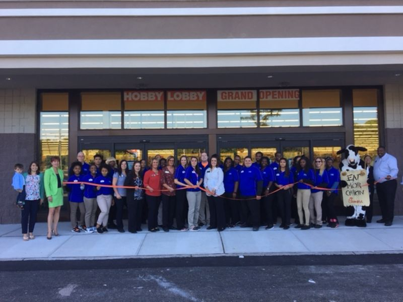 Hobby lobby opens in springfield springfield nj patch for Olive garden springfield illinois