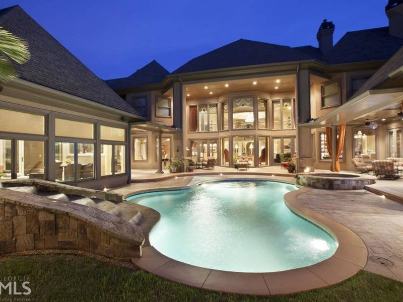 GA WOW Houses: Indoor Pool, Outdoor Lounge, 22,000 Square Feet