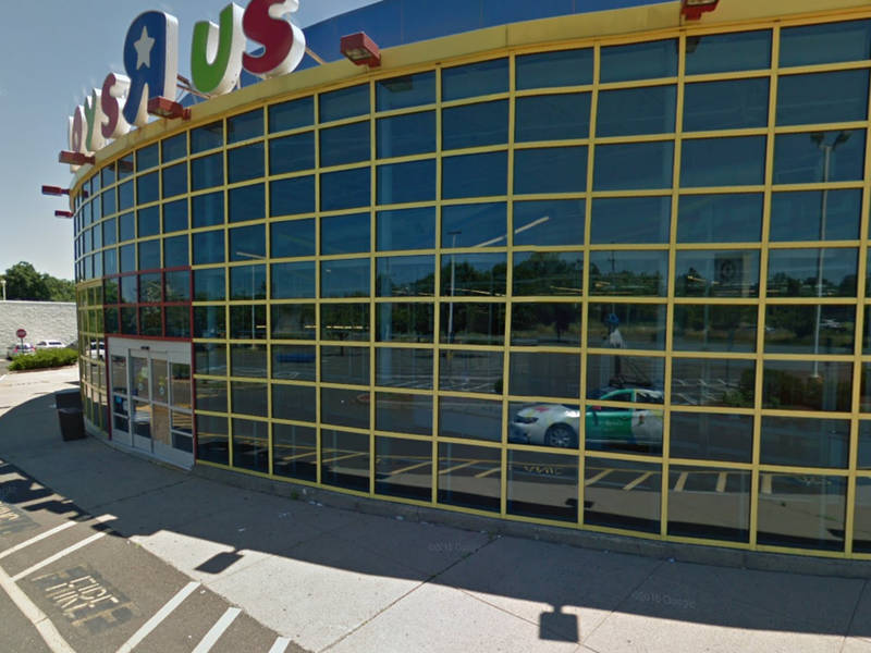 Hotel, Car Wash Closer To Approval At Old Toys 'R' Us Site
