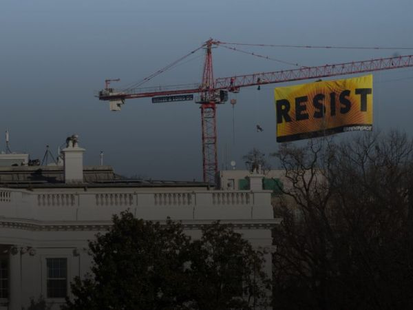 Activists Fly 'RESIST' Banner Over White House in Protest of Trump's Policies