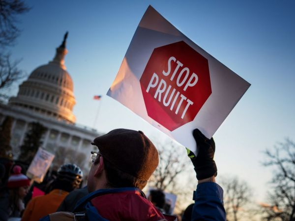 On eve of confirmation vote, judge orders release of Pruitt emails