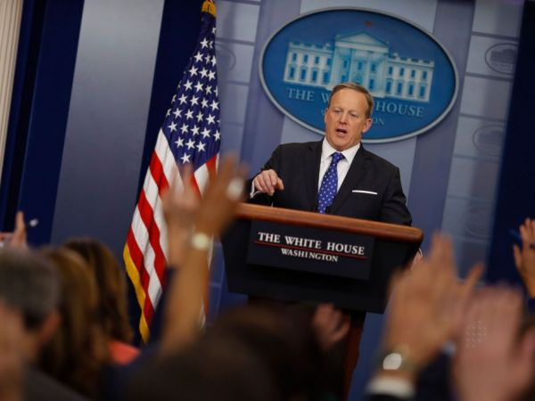 Sean Spicer schools female reporter on body language during press briefing