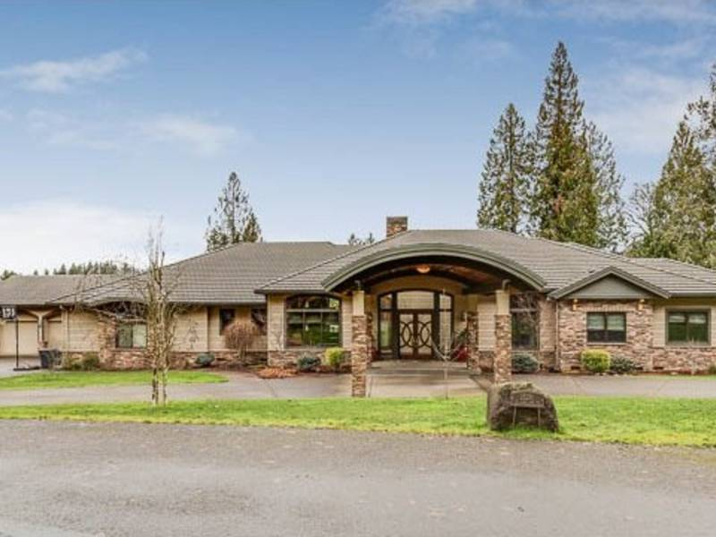 Oregon City Home For Sale Has 5 Bedrooms Is On More Than 2 Acres