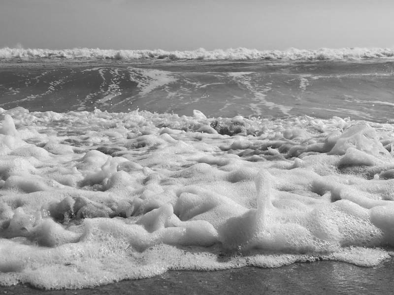 Large Waves Expected At Santa Cruz County Beaches Until Sunday