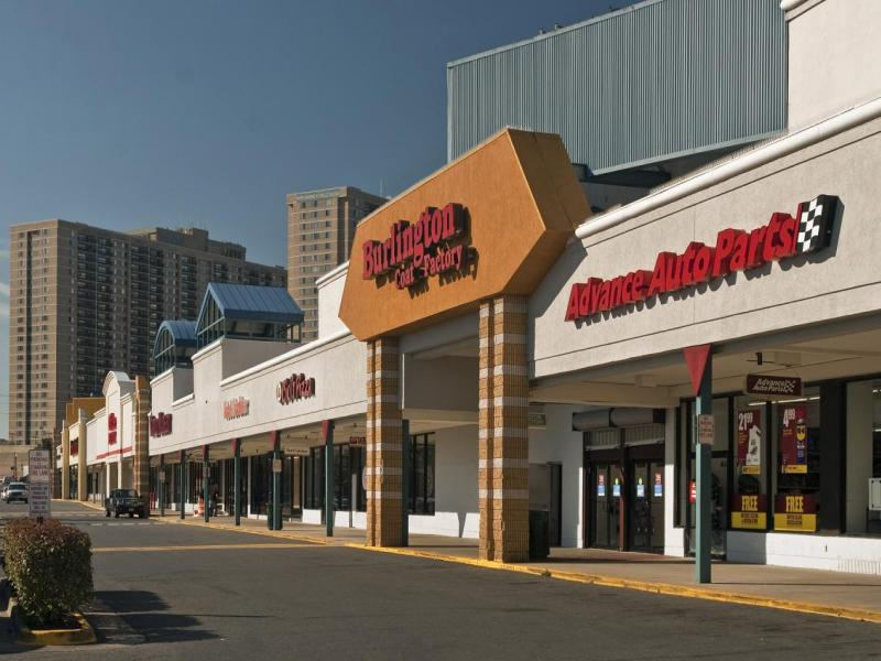 Restaurant Lease Brings Crossroads Place In Falls Church To Full Occupancy
