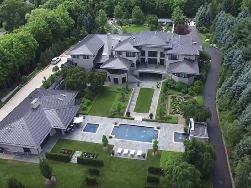 Watch See Lebron James Ohio Home From A Drone Fairlawn
